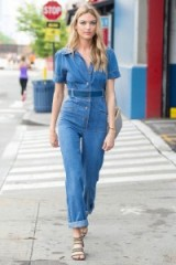 Martha Hunt out in New York dressed in a denim jumpsuit #mod #usa #casual #jumpsuits