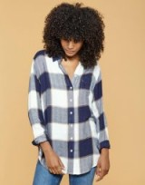 JOULES LORENA LONG LINE BRUSHED SHIRT / navy blue check shirts