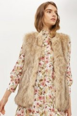 TOPSHOP Faux Fur Gilet – brown fluffy sleeveless jackets – furry gilets