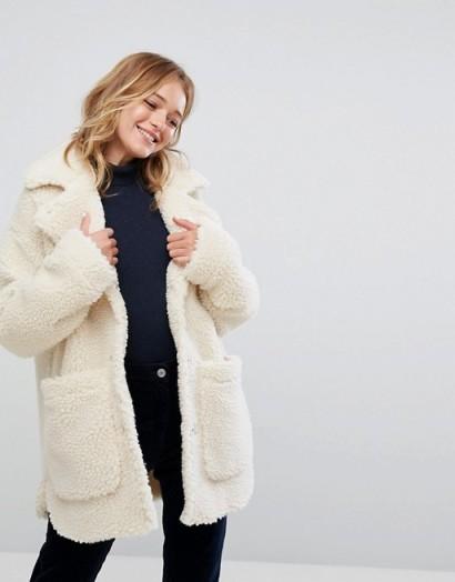 Monki Borg Teddy Jacket / white faux shearling coats