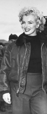 Marilyn Monroe looks stylish wearing a bomber jacket / women with natural style