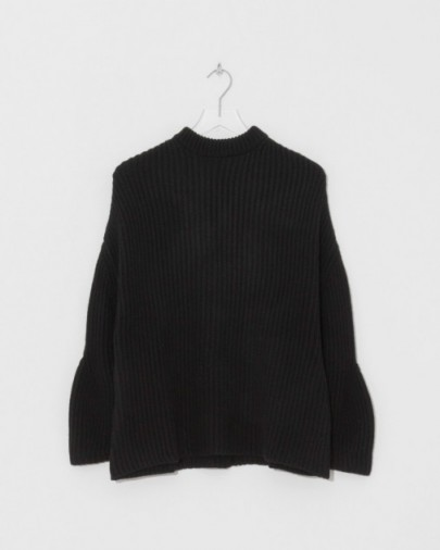 Ryan Roche Fitted Neck Oversized Sweater | black rib knit cashmere sweaters