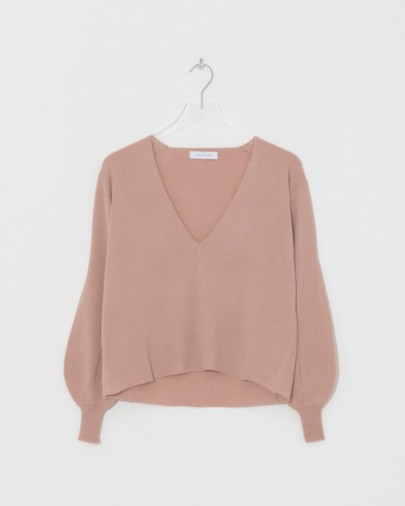 Ryan Roche V Neck Sweater with Fully Fashioned Sleeves | nude pink fine knit cashmere sweaters | knitwear