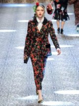 DOLCE & GABBANA Single-breasted rose-print jacket ~ beautiful floral prints