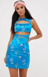 PRETTYLITTLETHING TURQUOISE ORIENTAL SATIN CUT OUT BODYCON DRESS – blue floral party dresses