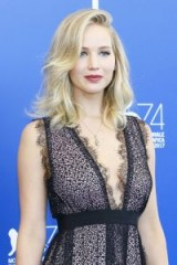Jennifer Lawrence's wavy layered blonde hair at the 74th Venice Film Festival