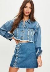 Missguided blue cropped tonal denim trucker jacket – frayed crop hem jackets