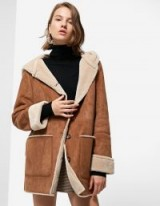STRADIVARIUS Double-sided coat with hood / tan-brown faux fur lined coats