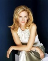 British born actress Kim Cattrall / women with style