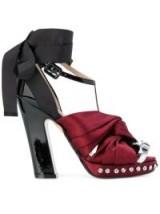 Nº21 satin twisted knot sandals / bordeaux red satin platforms