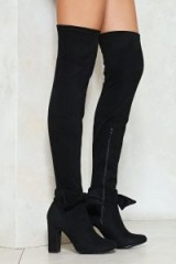 Nasty Gal Steal the Show Over-the-Knee Boot – black bow embellished boots