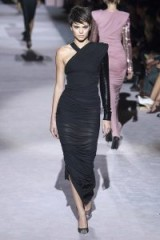 Tom Ford Spring 2018 Ready-to-Wear ~ chic runway looks