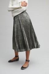 Elmsland Nadine Snake Print Pleated Metallic Skirt | shiny grey midi skirts