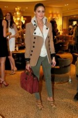Camel brown, olive green & burgundy red / stylish looks / chic outfits