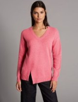 AUTOGRAPH Pure Cashmere Stepped Hem V-Neck Jumper / pink asymmetric hem jumpers ~ Marks and Spencer knitwear