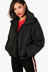 boohoo Rose Cropped Quilted Jacket – black jackets