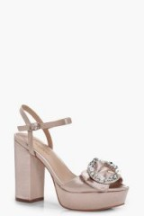 boohoo Ruby Brooch Detail Platform Heels – blush-pink platforms – chunky vintage style party shoes