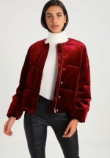 YAS YASNIGHT PADDED BOMBER JACKET in cabernet-red