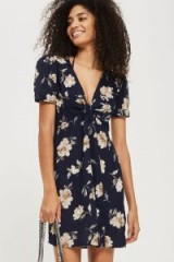 TOPSHOP Embroidered Tea Dress – vintage style dresses