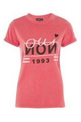 TOPSHOP 'Oui Non 1993' Slogan T-Shirt / red t-shirts