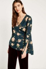 Pins & Needles Heffner Floral Wrap Blouse – flower prints – green floral wide sleeve blouses
