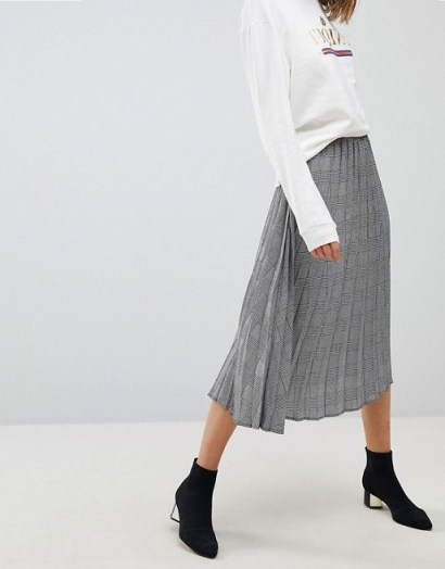 Stradivarius Check Pleat Detail Skirt / checked skirts - flipped