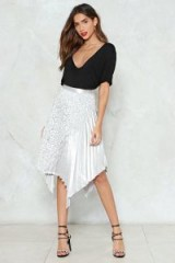 NASTY GAL The Unde-Pleated Champ Midi Skirt – silver pleated asymmetric skirts