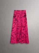 BURBERRY Doodle Print Pintuck Detail Silk Skirt ~ long pink slit skirts