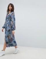 Gestuz Floral Printed Wrap Midi Kimono Dress in Light blue flower