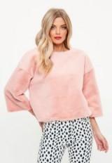 Missguided pink raw edge all over fur sweatshirt – fluffy sweatshirts
