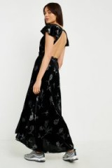 UO La Fuente Velvet Maxi Wrap Dress – long black floral print open back dresses