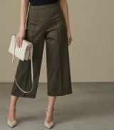 Reiss NARA CROPPED WIDE-LEG TROUSERS MILITARY GREEN
