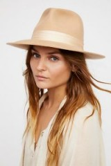 Lack of Color Nico Silk Band Felt Hat in Honey. NUDE TONE FEDORAS