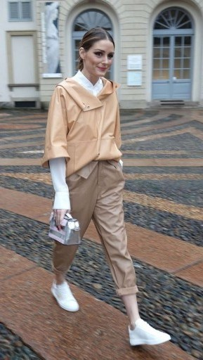 Olivia Palermo street style during Fashion Week in Milan, February 2018. Celebrity outfits | star fashion - flipped
