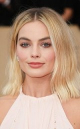 Margot Robbie blonde bob – 2018 SAG Awards