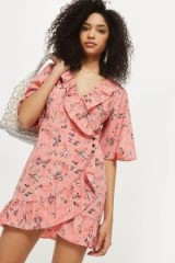 TOPSHOP Off Duty Ruffle Tea Dress – pink floral dresses – vintage style