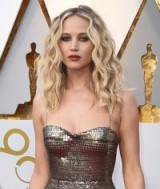 Jennifer Lawrence's loose blonde curls at the 90th Academy Awards 2018