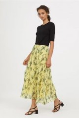 H&M Bell-shaped skirt / yellow floral skirts