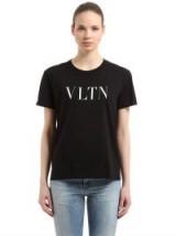 VALENTINO VLNT PRINT COTTON JERSEY T-SHIRT / designer slogan T-shirts