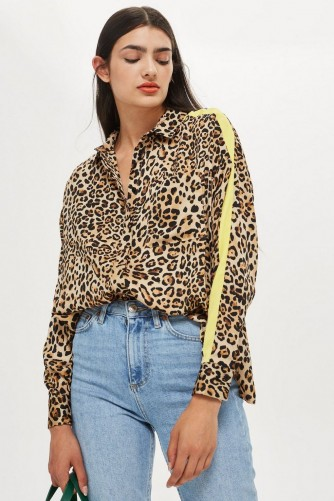 TOPSHOP Animal Print Side Striped Shirt – casual glamour
