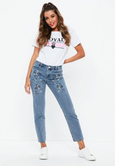 missguided blue lust floral embroidered low rise boyfriend jeans – denim – embroidery – cropped – flowers – casual – fashion