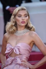 Elsa Hosk's old Hollywood glamour at the Girls Of The Sun Premiere during Cannes, 12 May 2018. Celebrity hairstyles | makeup and beauty