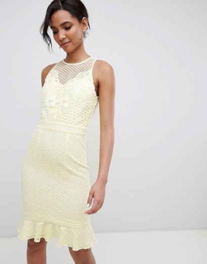 Little Mistress lace applique shift dress with peplum hem in lemon – pale yellow going out fashion