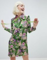Sister Jane shift dress with ribbon tie in dragon petal print green floral – vintage style fashion – retro look