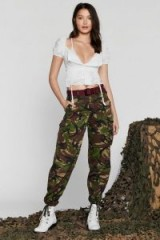 NASTY GAL After Party Vintage About Face Camo Pants Khaki / green camouflage trousers