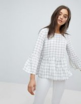 Esprit Check Smock Top White/Black / flared sleeves / frill hem