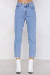 Nasty Gal Moms the Word Relaxed Jeans | 80s style | cropped frayed hems