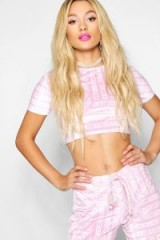 Paris Hilton x boohoo Printed Velour Top in Pink – celebrity inspired crop tops