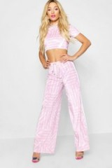 Paris Hilton x boohoo Printed Velour Trousers in Pink – celebrity inspired fashion