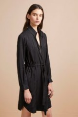 French Connection SUNNY TOGGLE SHIRT DRESS in black – casual day style